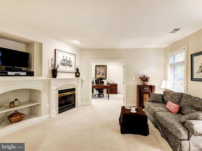 12192 Chancery Station Circle, Reston, VA - USA (photo 4)
