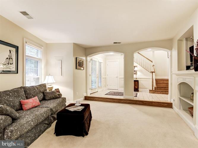 12192 Chancery Station Circle, Reston, VA - USA (photo 5)