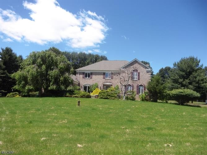 26 Gentry Dr, Township Of Washington, NJ - USA (photo 2)