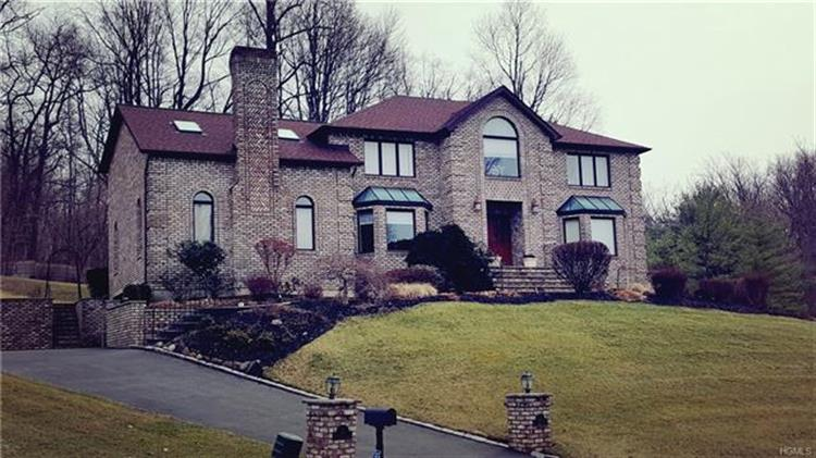 2 Pine Glen Drive, Blauvelt, NY - USA (photo 1)