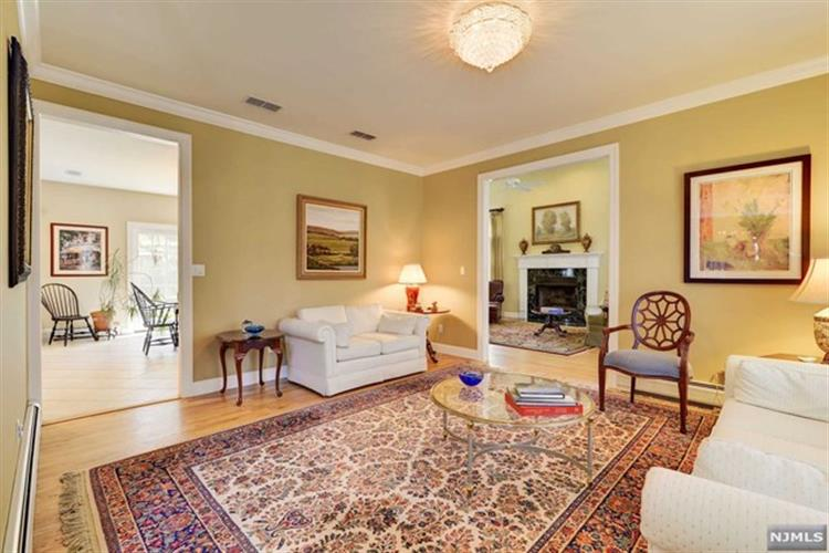 2 Longview Court, Old Tappan, NJ - USA (photo 3)