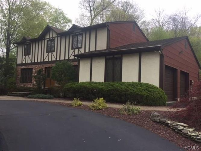 7 Bell Court, Airmont, NY - USA (photo 1)