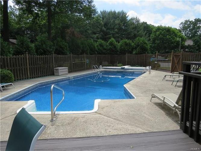 7 Bell Court, Airmont, NY - USA (photo 5)