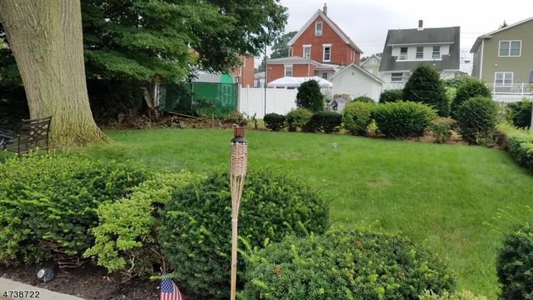 458 Forest Ave, Lyndhurst, NJ - USA (photo 3)