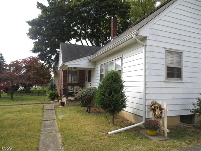 721 Belvidere Rd, Lopatcong, NJ - USA (photo 1)