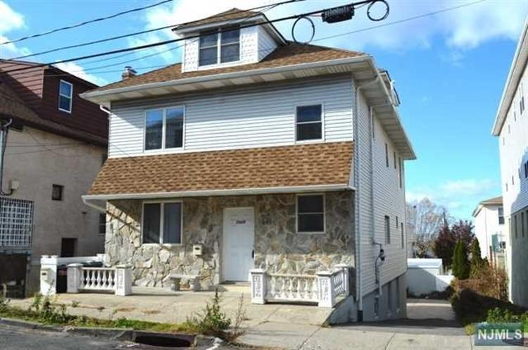 7029 Smith Avenue, Unit #2 2, North Bergen, NJ - USA (photo 1)