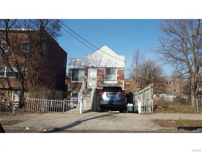 3215 Pearsall Avenue, Bronx, NY - USA (photo 1)