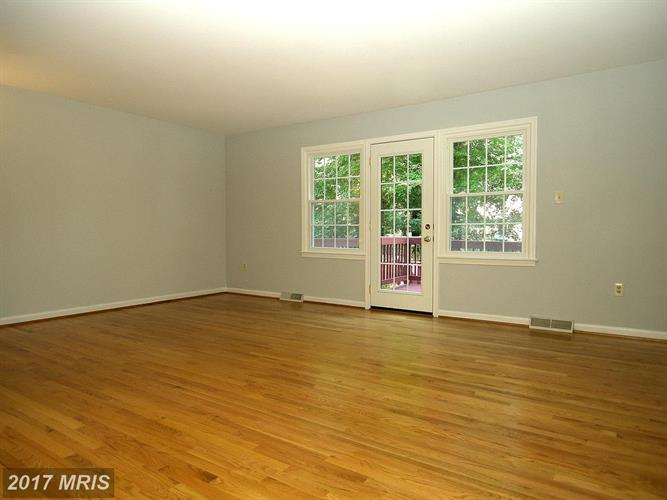 1505 Carlyle Dr, Crofton, MD - USA (photo 2)