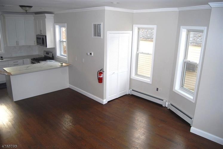136 E Pierrepont Ave, Rutherford, NJ - USA (photo 5)
