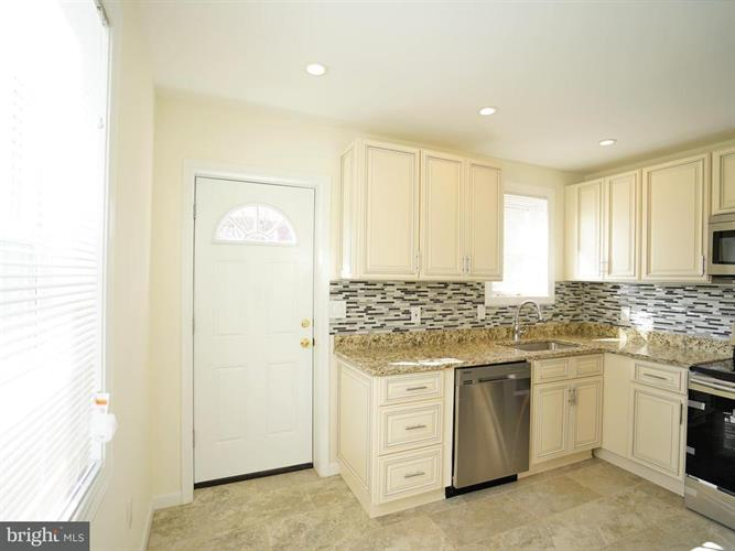 3407 Navy Day Drive, Suitland, MD - USA (photo 4)