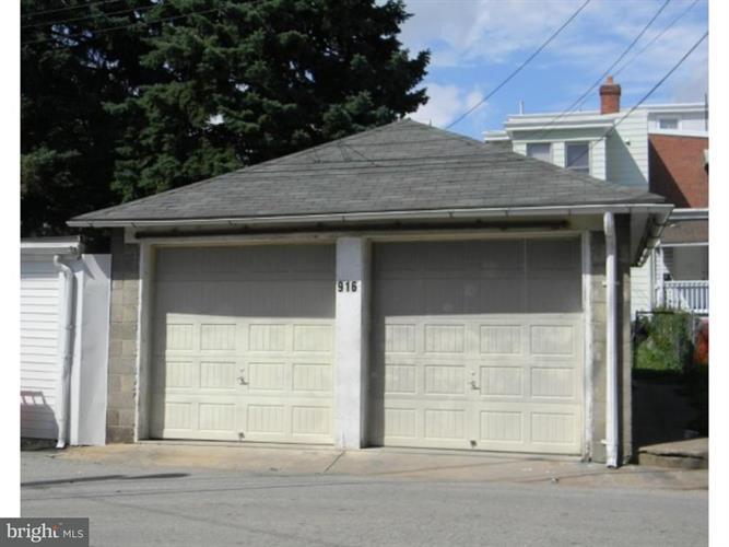 916 W Marshall Street, Norristown, PA - USA (photo 4)