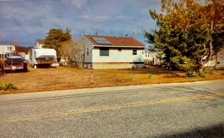 914 Laurel Boulevard, Lanoka Harbor, NJ - USA (photo 1)