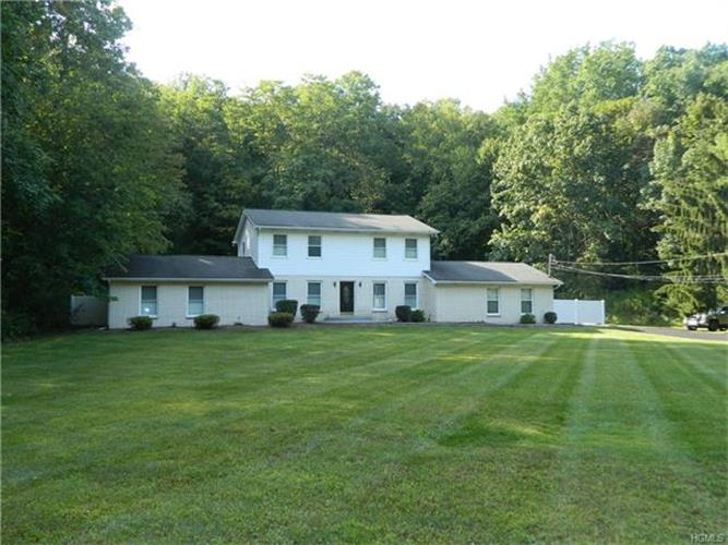 1270 Lakes Road, Monroe, NY - USA (photo 1)