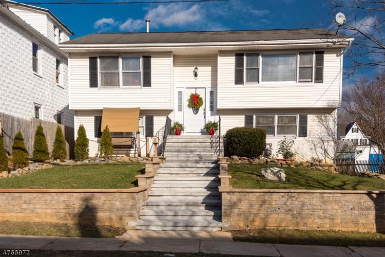 301 Lincoln St, Phillipsburg, NJ - USA (photo 1)