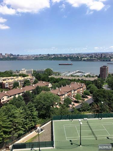 300 Winston Dr 1210, Cliffside Park, NJ - USA (photo 2)