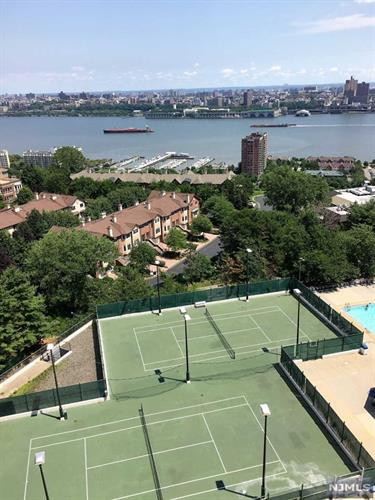 300 Winston Dr 1210, Cliffside Park, NJ - USA (photo 4)