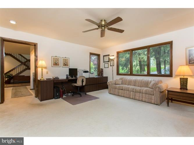 24 Hanover Drive, West Chester, PA - USA (photo 1)