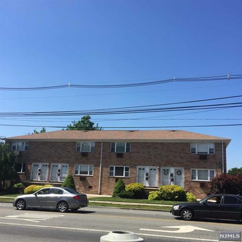 323 Crooks Avenue, Unit #10 10, Paterson, NJ - USA (photo 2)