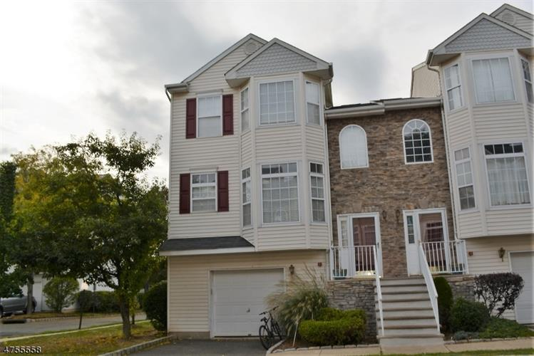 1727 Essex St, Unit 305, Rahway, NJ - USA (photo 2)