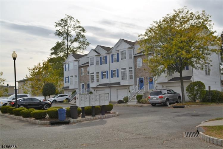 1727 Essex St, Unit 305, Rahway, NJ - USA (photo 5)