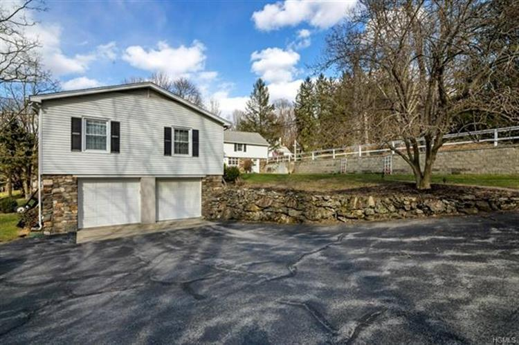 203 East Hook Road, Hopewell Junction, NY - USA (photo 4)