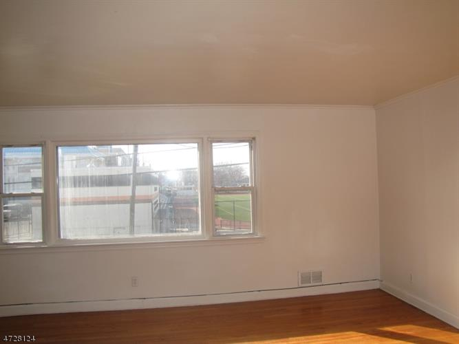 327-329 Goldsmith Ave 2, Newark, NJ - USA (photo 3)