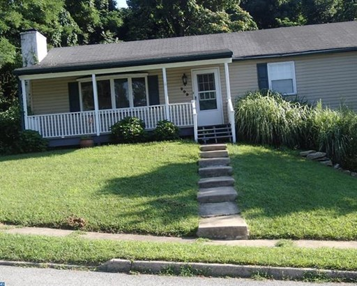 299 Dulles Dr, Coatesville, PA - USA (photo 2)
