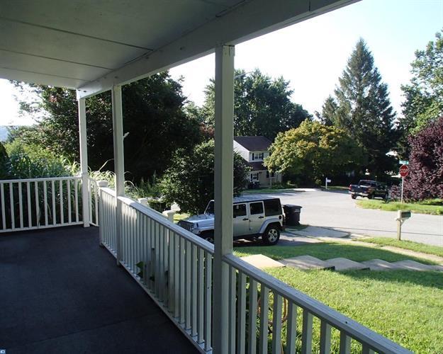 299 Dulles Dr, Coatesville, PA - USA (photo 4)