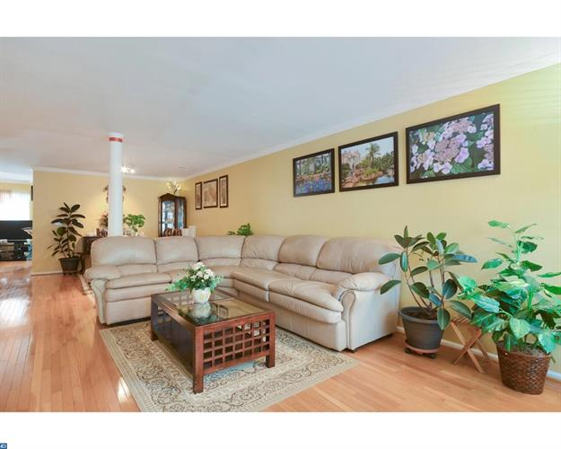 17 Windsong Cir, East Brunswick, NJ - USA (photo 2)