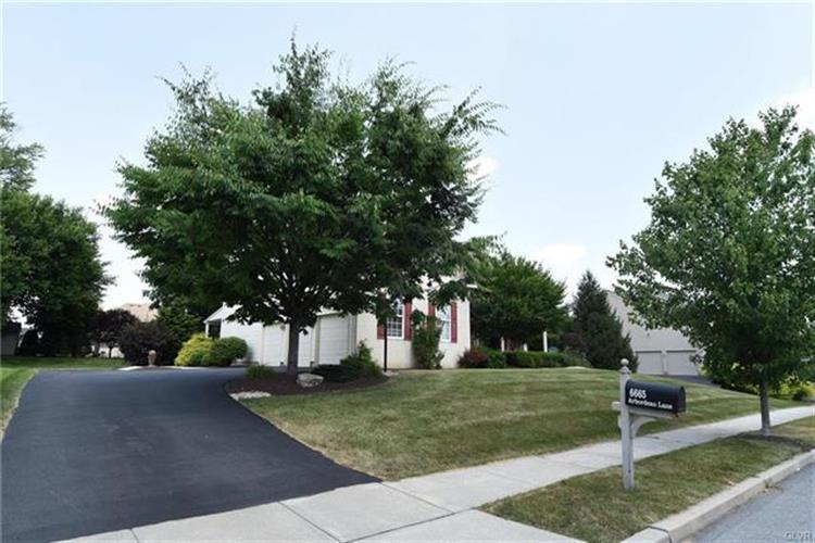 6665 Arbordeau Lane, Macungie, PA - USA (photo 3)