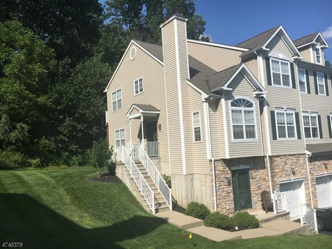 84 Pinehurst Dr, Washington Township, NJ - USA (photo 1)