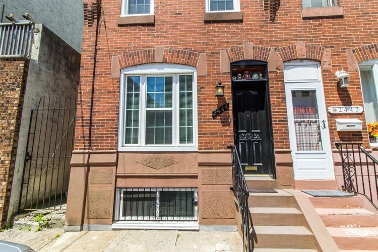 2444 S Mole Street Philadelphia, Pa 19145, Philadelphia, PA - USA (photo 1)