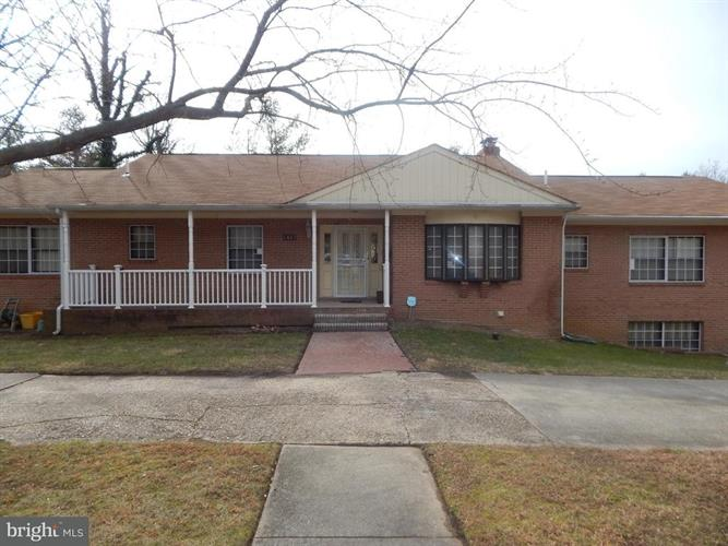 1415 Pine Grove Road, Capitol Heights, MD - USA (photo 1)