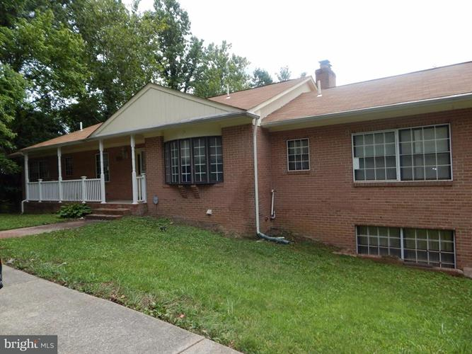1415 Pine Grove Road, Capitol Heights, MD - USA (photo 2)
