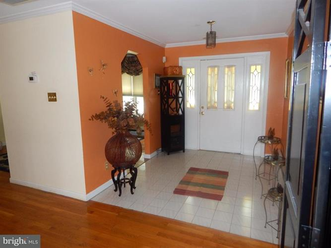 1415 Pine Grove Road, Capitol Heights, MD - USA (photo 3)