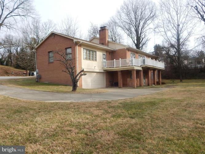 1415 Pine Grove Road, Capitol Heights, MD - USA (photo 5)
