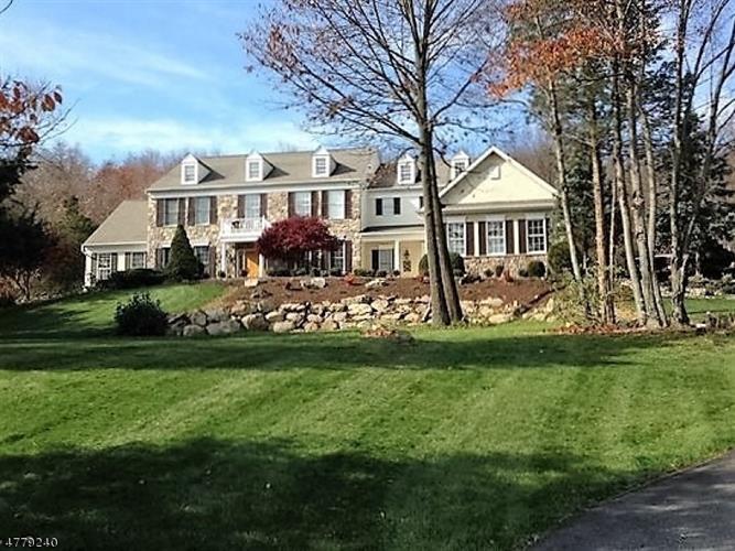 8 Surrey Ln, Township Of Washington, NJ - USA (photo 1)