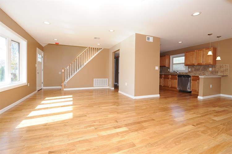1365 Pompton Ave, Cedar Grove, NJ - USA (photo 5)