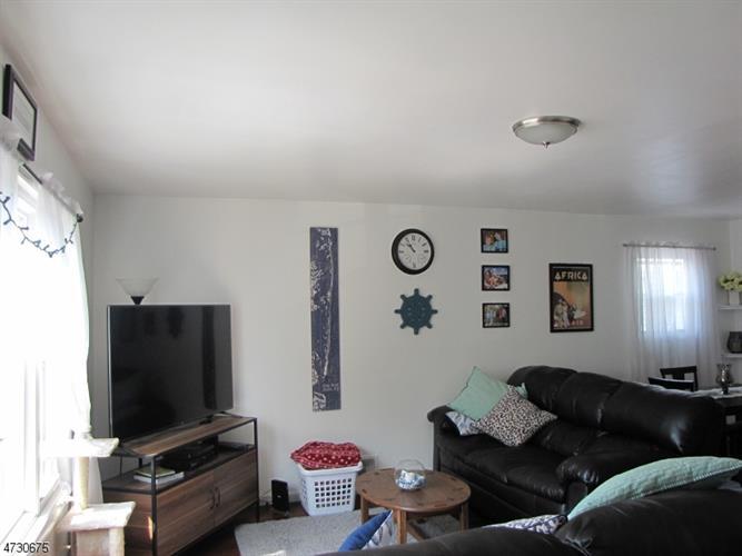 12 Maple Ave, Unit 2 2, Montclair, NJ - USA (photo 3)