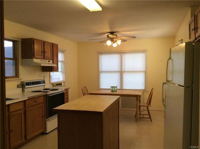 36 Swezey Place, Monroe, NY - USA (photo 2)