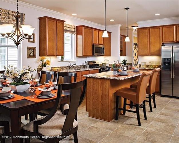19 Eagle Ridge Circle, Lakewood, NJ - USA (photo 2)