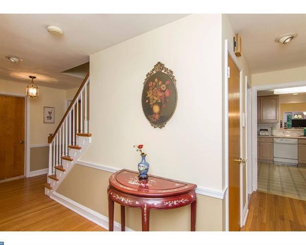 317 Custis Rd, Glenside, PA - USA (photo 2)