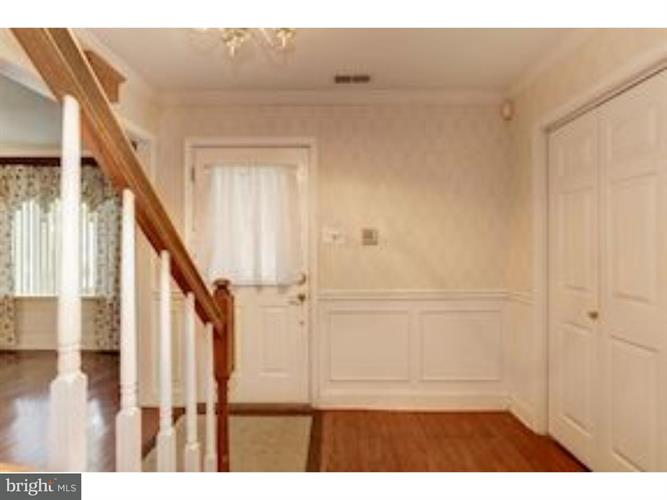 563 Fernwood Lane, Fairless Hills, PA - USA (photo 3)