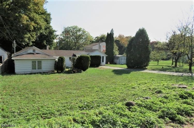 20 Highland Ave, West Milford, NJ - USA (photo 1)