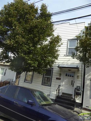 124 71st St 2, Guttenberg, NJ - USA (photo 3)