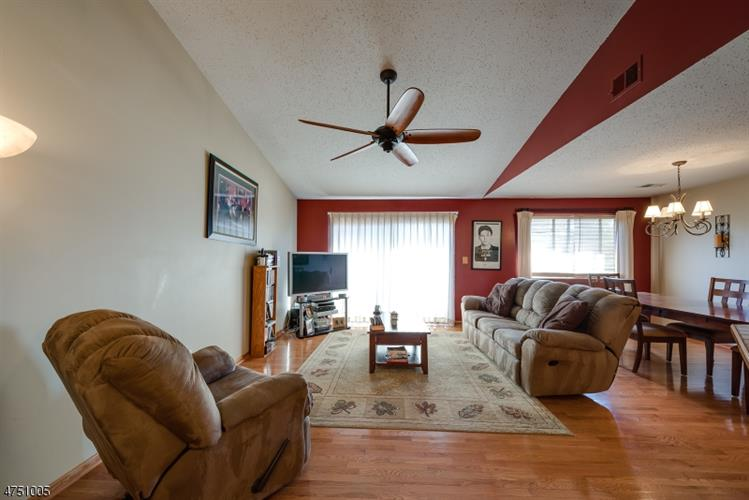 151 Drake Ln, Roxbury, NJ - USA (photo 2)