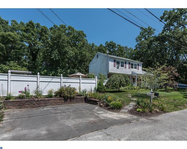 136 Clover St, Browns Mills, NJ - USA (photo 2)