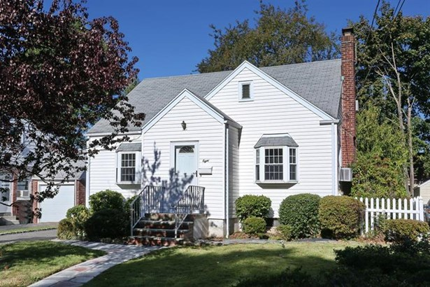 8 Derby Lane, Dumont, NJ - USA (photo 1)