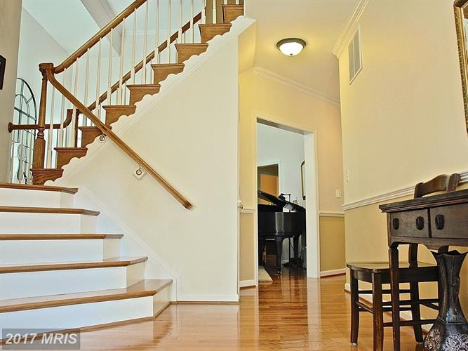 2898 Gretna Pl, Vienna, VA - USA (photo 2)
