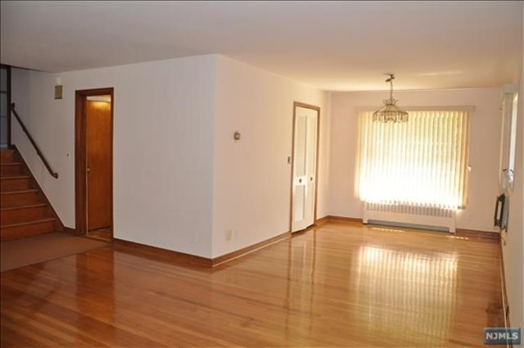 46 Newcomb Rd, Tenafly, NJ - USA (photo 4)